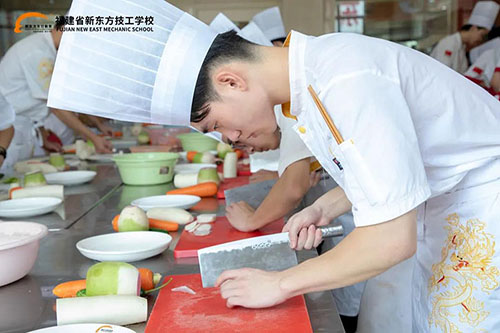 初高中毕业后可以去哪里学烹饪?